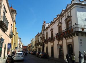 メキシコの都市ケレタロの街並み画像