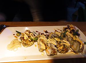 """レイキャビクのレストランにて、太巻きを揚げたらしき""""なんちゃって和食"""" 画像"""