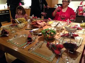 アイスランドにてクリスマスディナーに招かれたときの食卓 画像