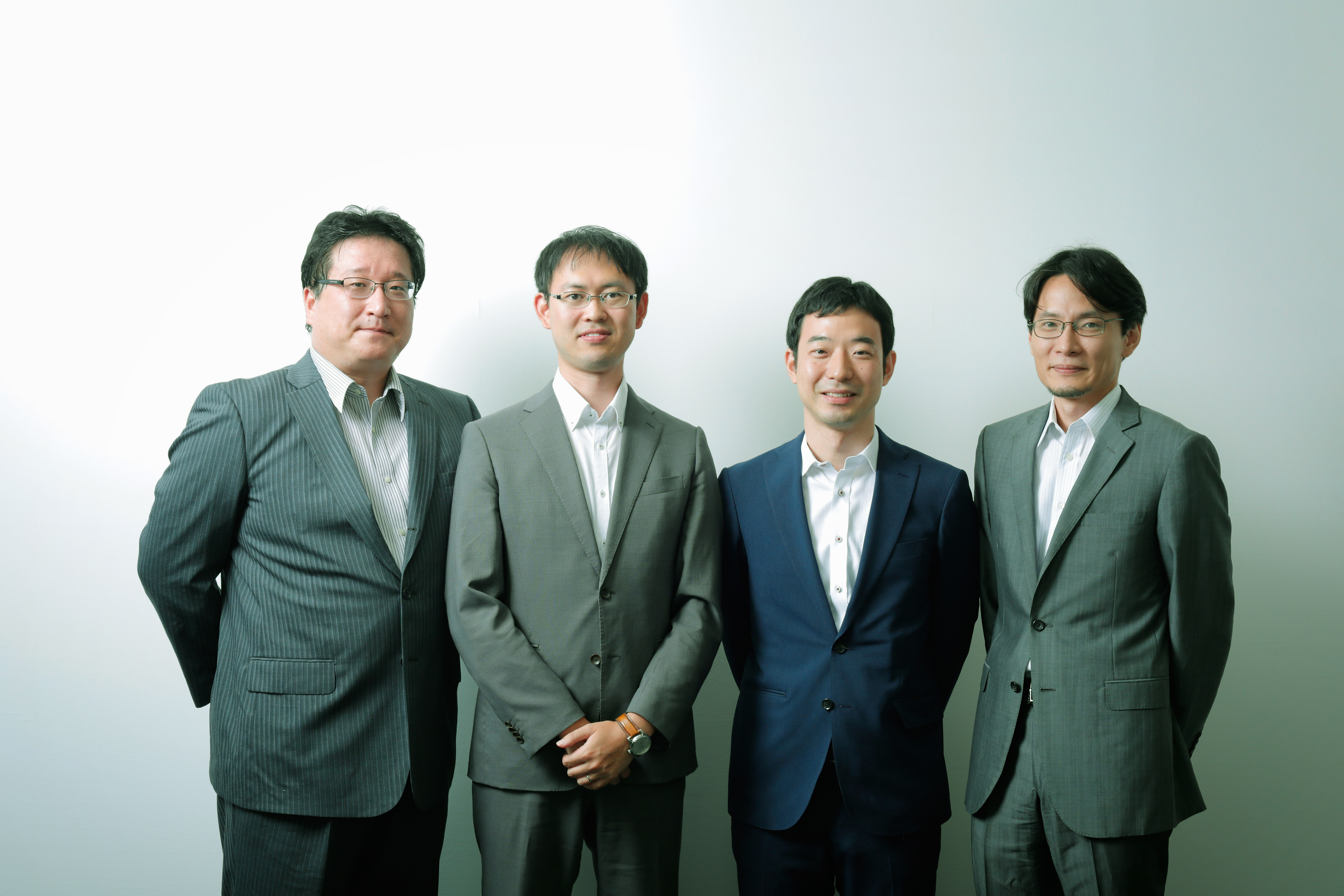 日本総合研究所研究員4名プロフィール写真