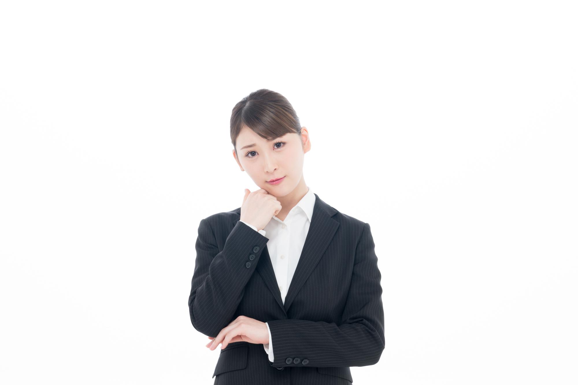 就活マナーに正解はあるのか悩む就活生のイメージ