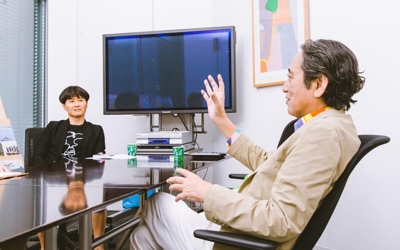 写真左:ルー大柴さんのマネージャー増田順彦さん
