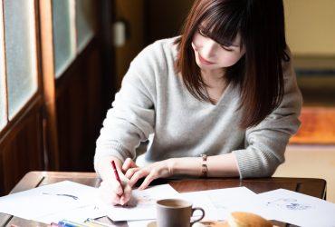 絵を描くことが好きな学生のイメージ