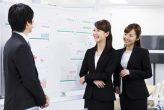 インターンシップに参加している就活生のイメージ