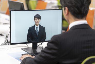 オンラインで面接をする就活生のイメージ